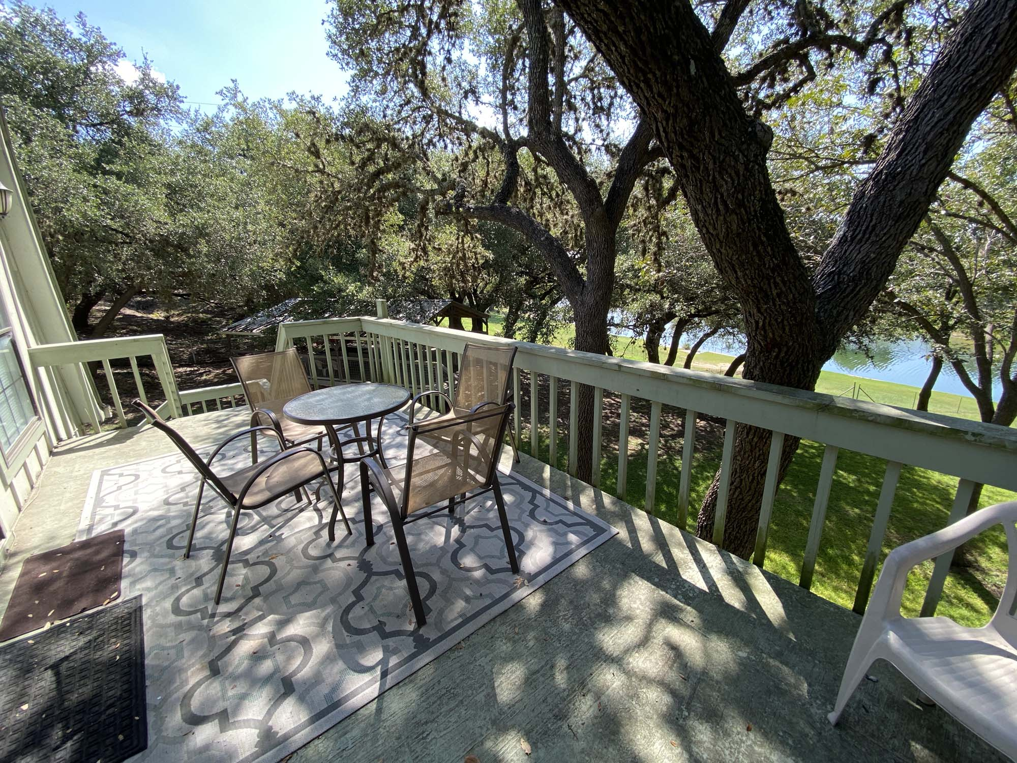 Tree-Top Suite - TWO DAM GUEST COTTAGES - Contact Hill Country Premier Lodging at 512-847-7460