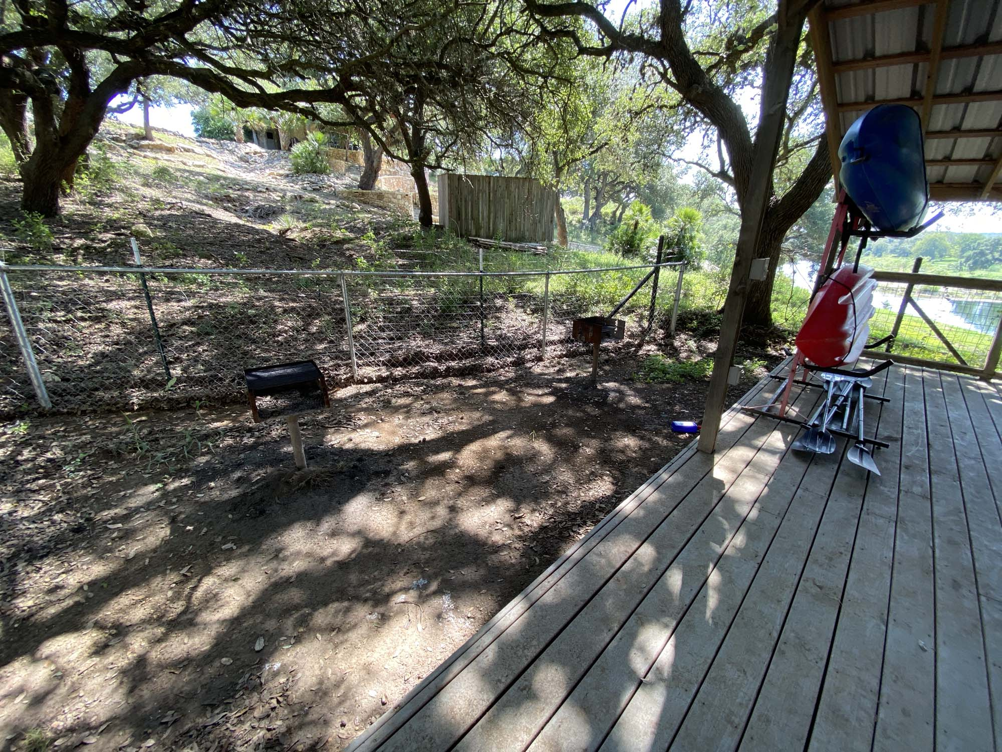 TWO DAM GUEST COTTAGES - Contact Hill Country Premier Lodging at 512-847-7460